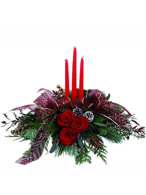 centrotavola con rose e candele rosse