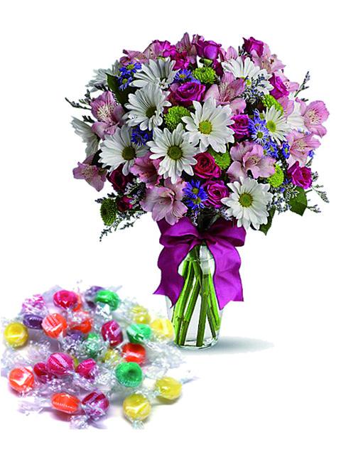 Bouquet di fiori misti con caramelle a Roma