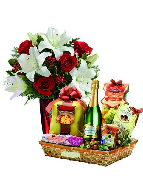 Bouquet di rose e lilium e cesto natalizio a Roma